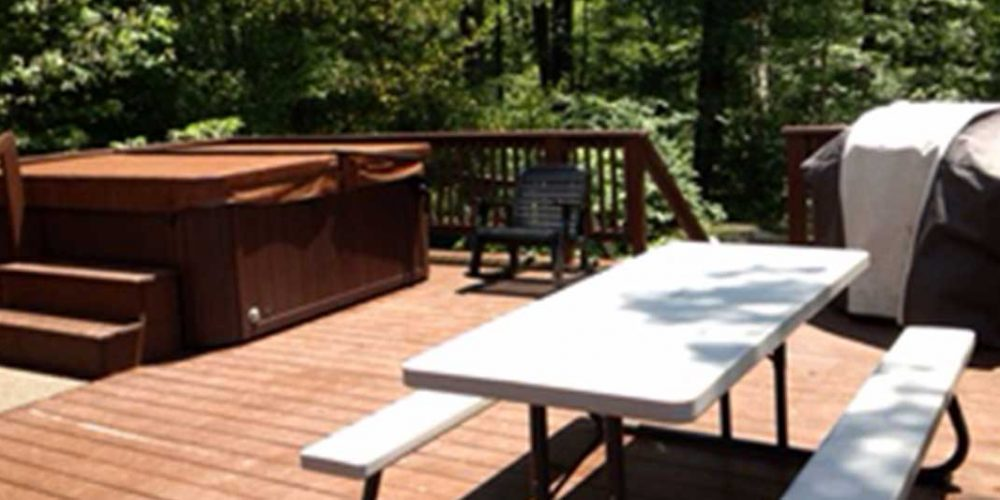 Deck-Area-Table-and-Hot-Tub